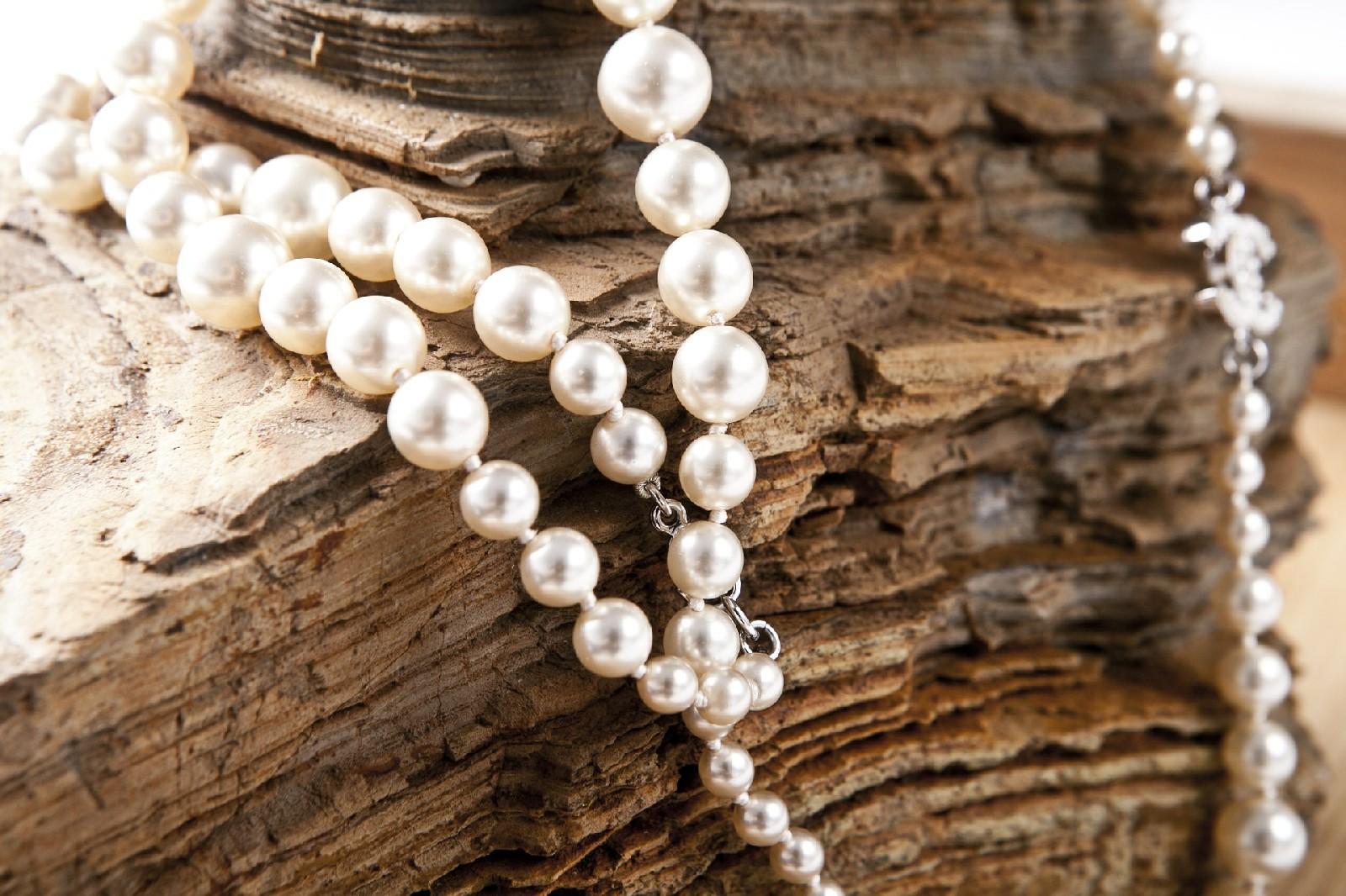 Co warto wiedzieć o naszyjnikach z pereł?