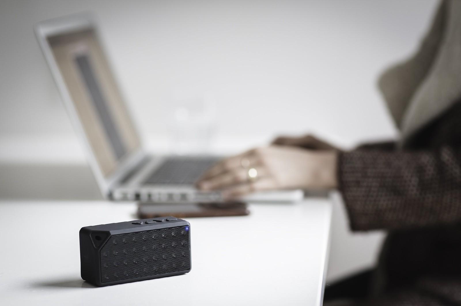 Pendrive, power bank, czy głośnik Bluetooth – co najlepiej sprawdzi się w roli gadżetu reklamowego?