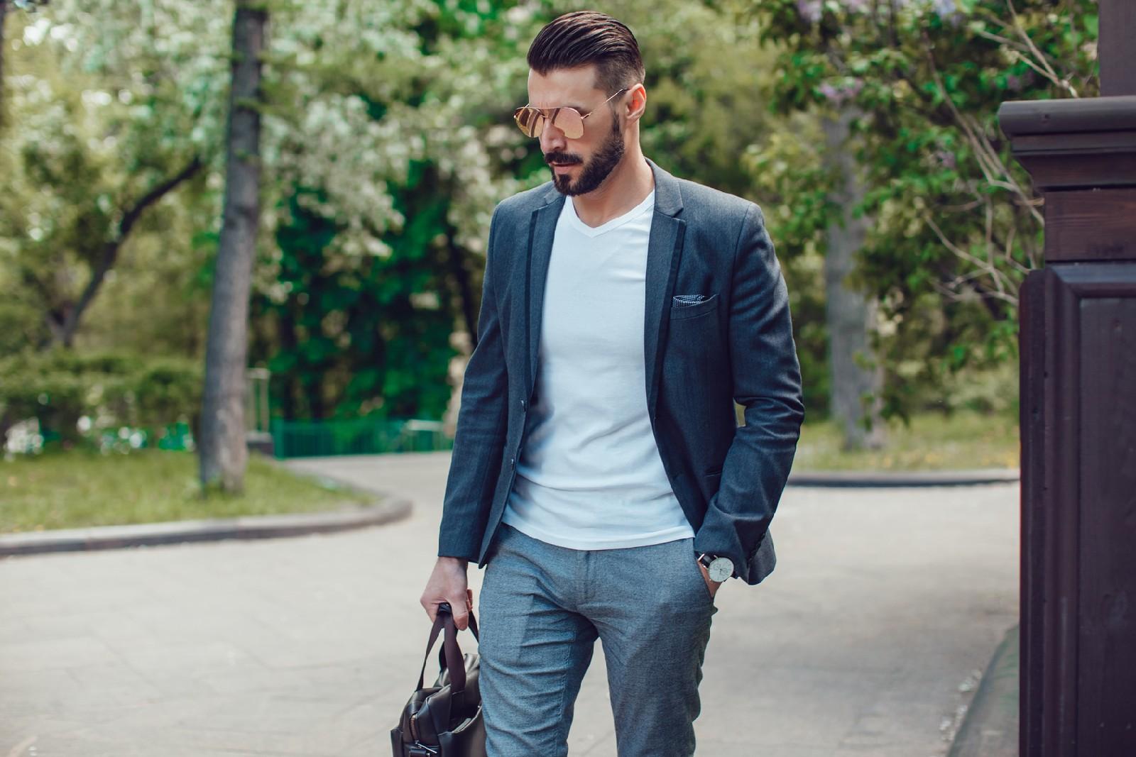 Moda męska na wiosnę 2018. Co mężczyzna powinien mieć w swojej szafie?