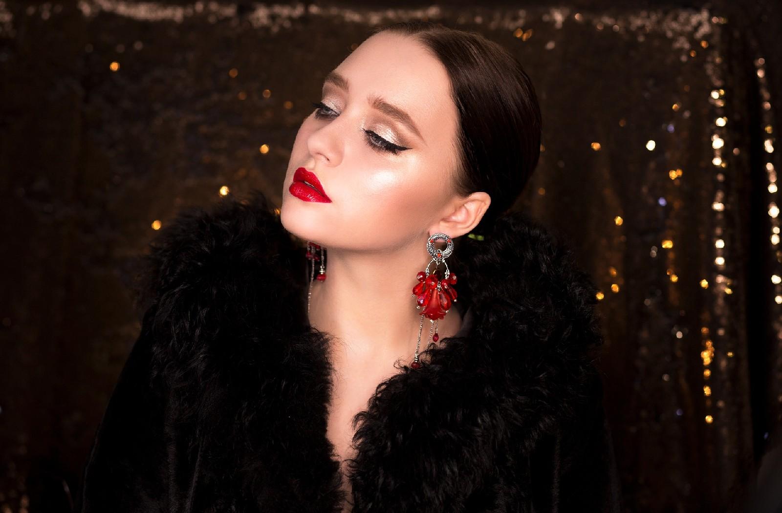 Biżuteria jako sposób wyrażenia siebie oraz ciekawy dodatek do stylizacji