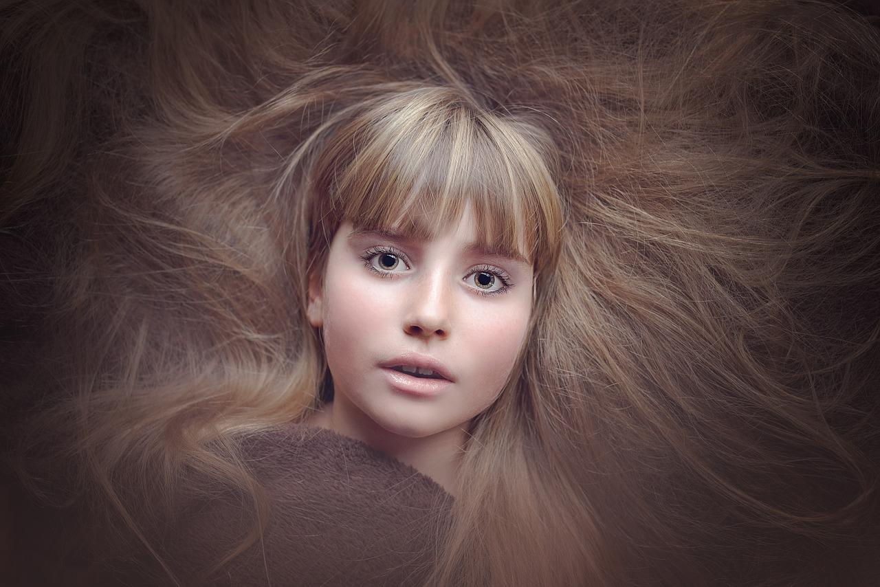 Suche i zniszczone włosy – jak uporać się z tym problemem?