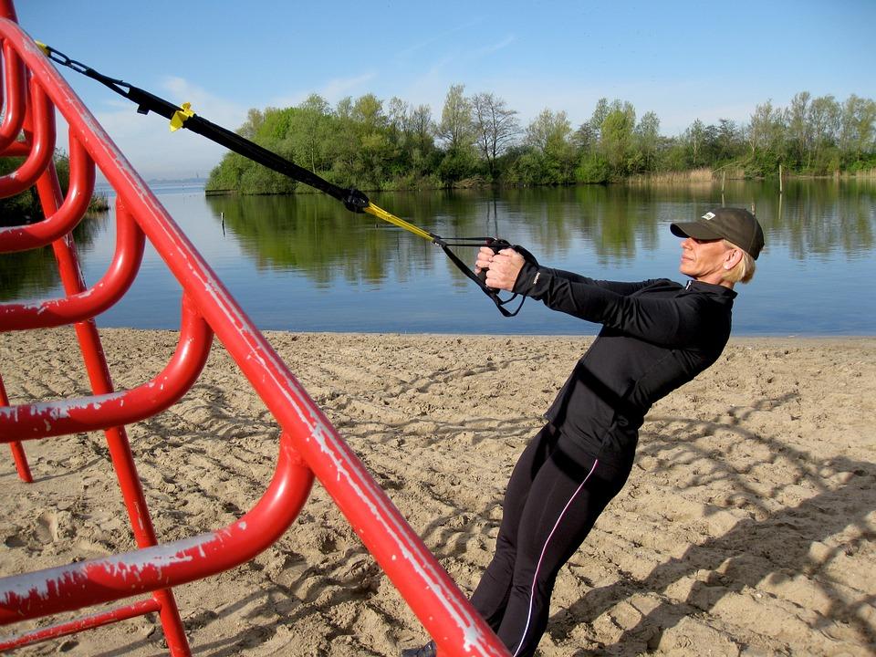 TRX, czyli trening z taśmami - podpowiadamy jak ćwiczyć skutecznie