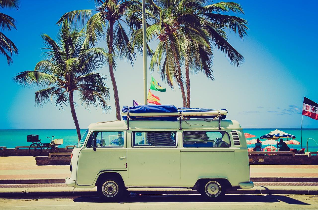 Podróż samochodem - przydatne akcesoria i gadżety