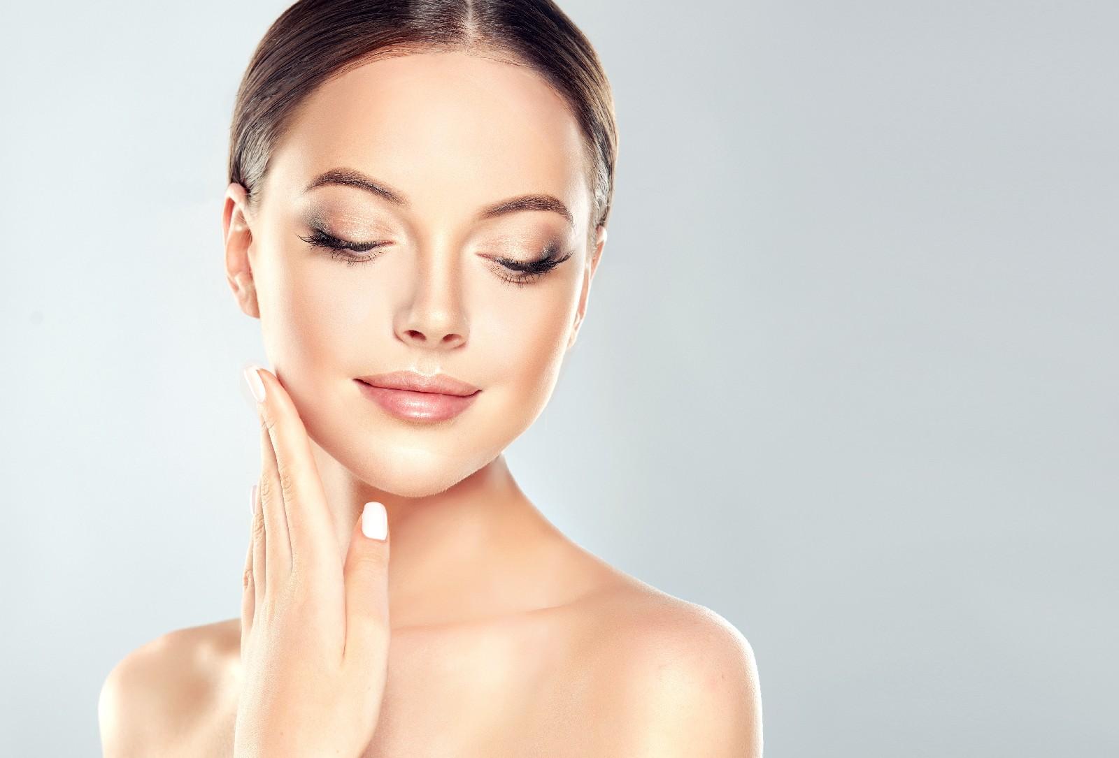Zapomnij o zmarszczkach! Botox i wypełniacze w gabinetach medycyny estetycznej