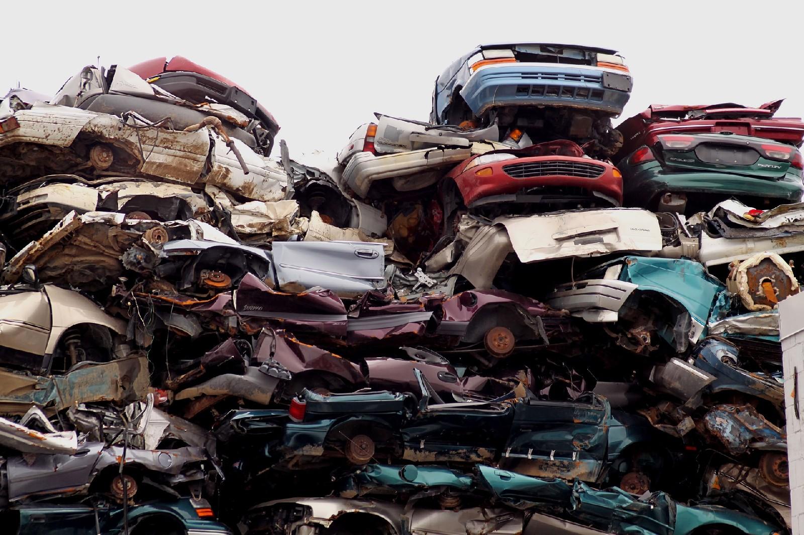 4 powody, dla których musisz wyrejestrować i złomować  samochód