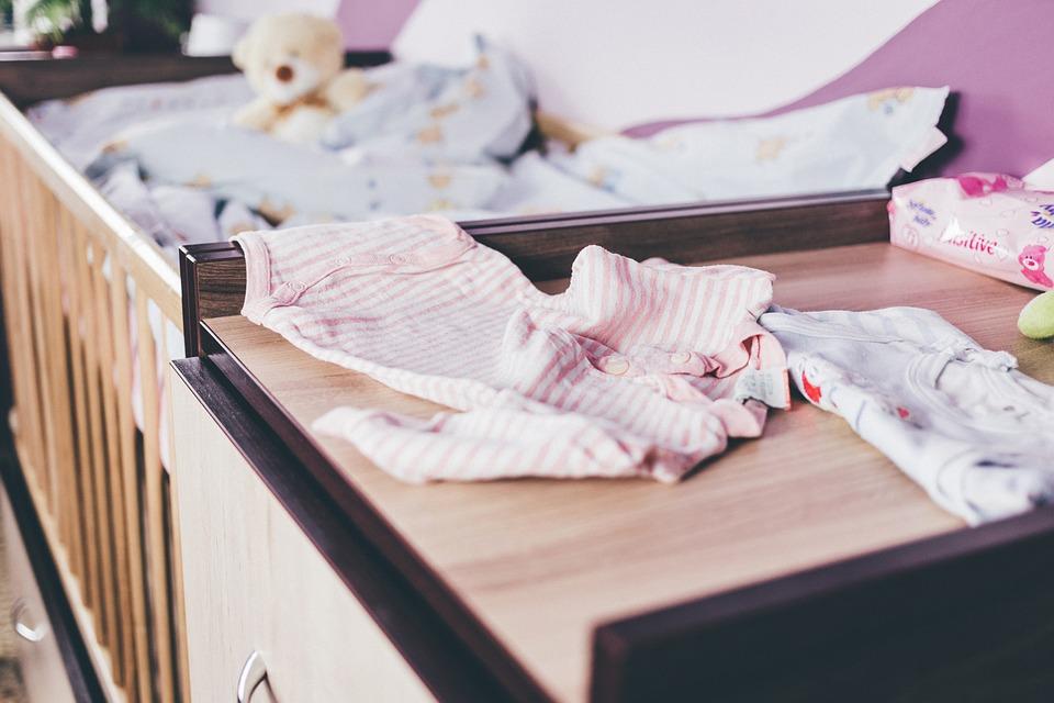 Ubranka dla noworodków i niemowląt.