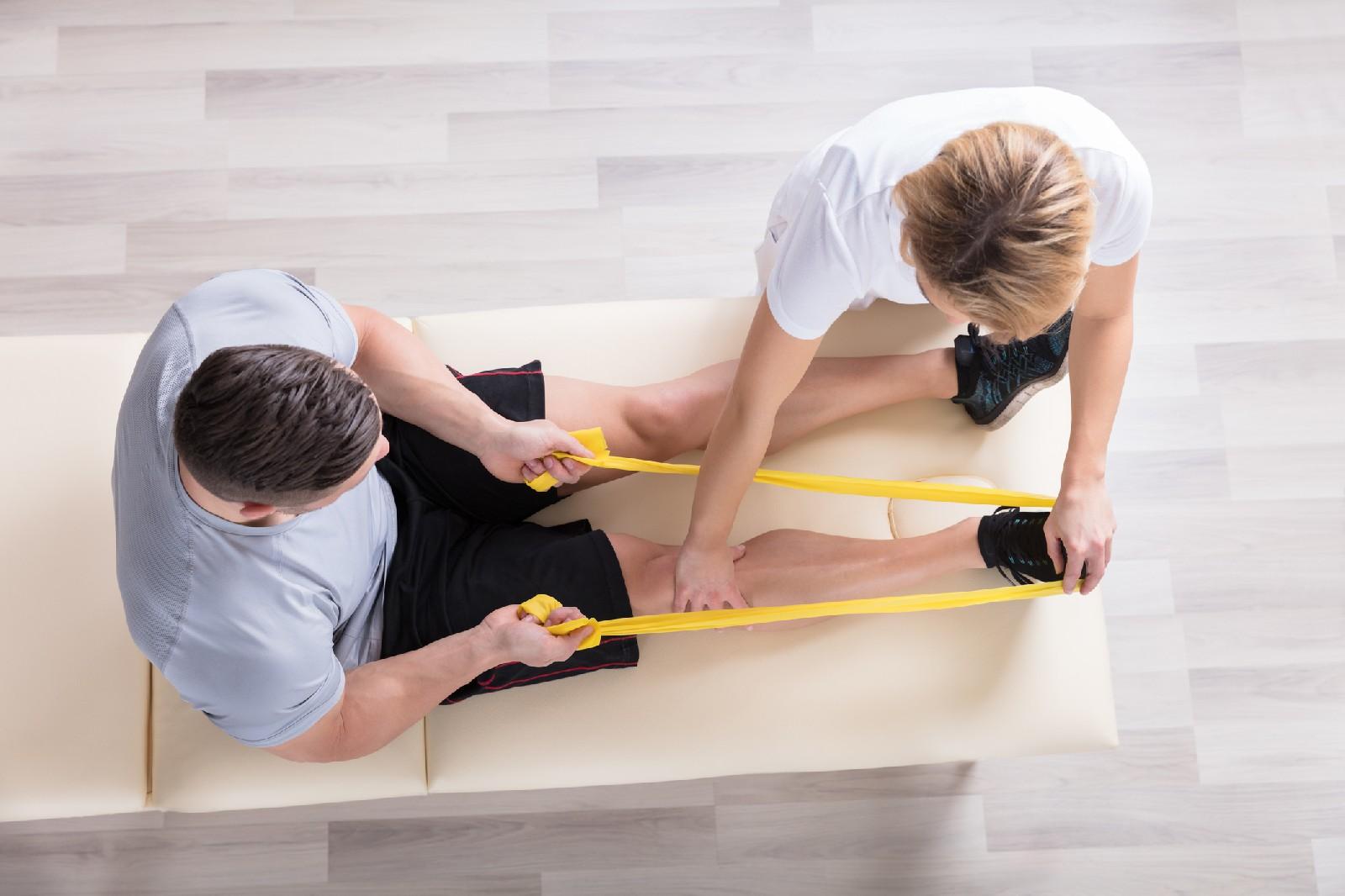 Rehabilitacja - czym jest i kiedy warto z niej korzystać?
